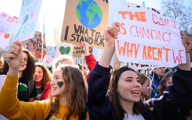अपने जलवायु परिवर्तन प्रोटेस्टर का समर्थन कैसे करें