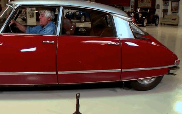 Xem Jay Leno chỉ cho bạn cách thay lốp xe trên chiếc Citroën DS