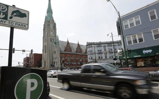 Chicago zebrało 264 miliony dolarów kar za parkowanie w 2016 roku i doprowadziło do bankructwa tysiące kierowców w trakcie tego procesu
