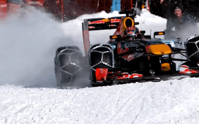 Conduire une voiture de Formule 1 à pleine vitesse sur la neige est une idée aussi folle qu'il y paraît