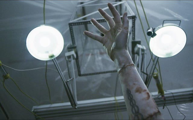 डॉ। फ्रेंकस्टीन का लैरी फेसेन्डेन के डिप्रेवेड में ब्रुकलिन बॉडी स्नैचर के रूप में पुनर्जन्म हुआ है