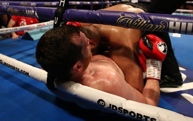 無敗のボクサーはタックルで失格、その後相手を噛んだ