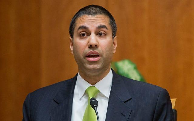 El comisionado de la FCC promete ignorar las 'preocupaciones serias' del personal sobre la neutralidad de la red y AT&T