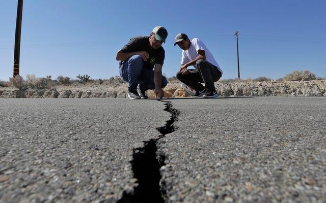 西海岸の住民は壊滅的な地震の脅威を深刻に過小評価している、と調査は発見しました
