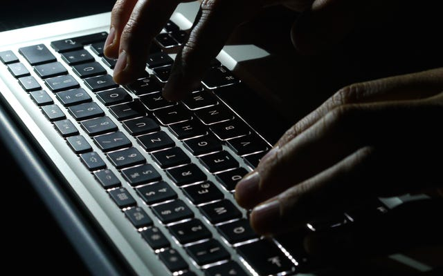 Aggiorna le tue soluzioni di rete, Register.com. o Password Web.com adesso