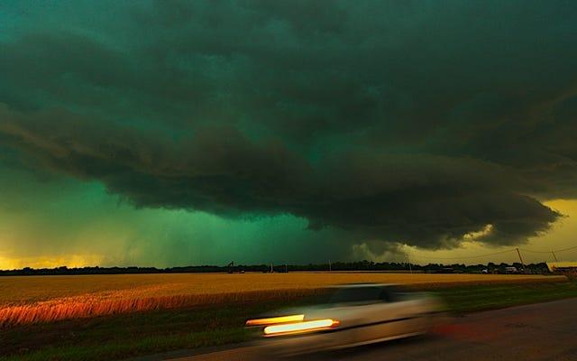 Si ve nubes de tormenta verdes, prepárese para lo peor