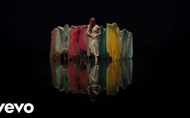 """Il """"Grande Dio"""" di Florence and the Machine è di grande umore"""