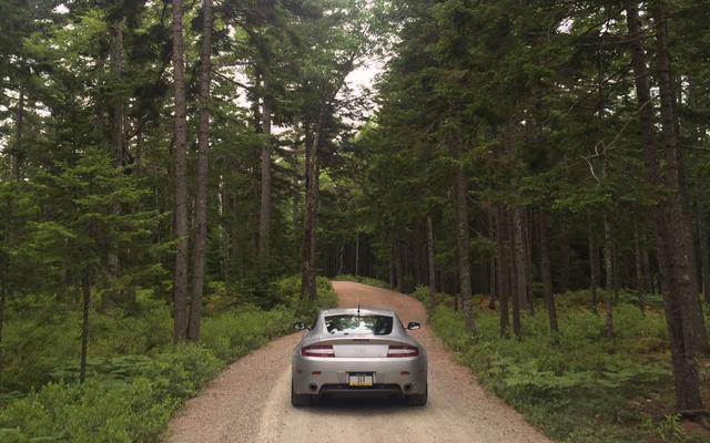 Mi Aston Martin hizo 1.600 millas en el desierto con solo un pequeño problema