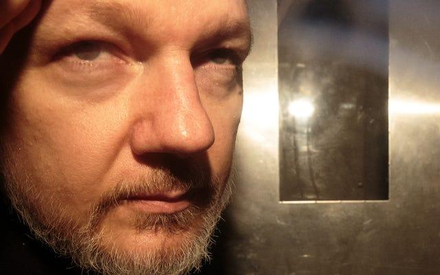 Julian Assange được hay không?