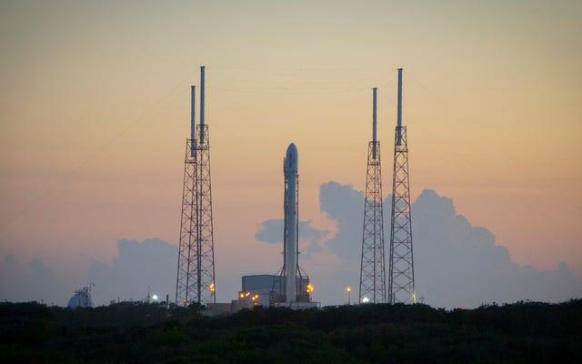 Assista ao SpaceX lançar e pousar um foguete usado anteriormente aqui