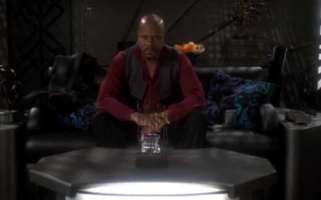 Saluran Terbuka: Apa Episode Tunggal Favorit Mutlak Anda dari Serial Scifi atau Fantasi?