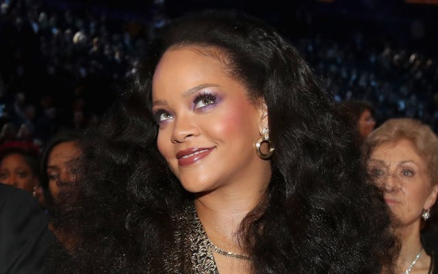 Nouveaux bops ou nouveaux soutiens-gorge: qu'est-ce que Rihanna taquine exactement?