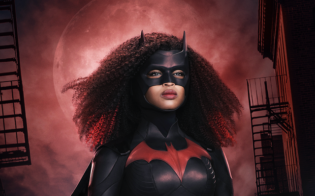 Javicia Leslie shows off her new Batwoman suit