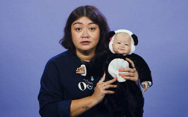 Essere genitori di questo bambolotto realistico mi ha fatto provare nient'altro che un terrore esistenziale