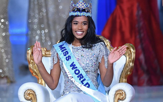 ジャマイカの美しさトニーアンシンはミスワールドを戴冠し、女の子が自分自身を信じるように奨励します