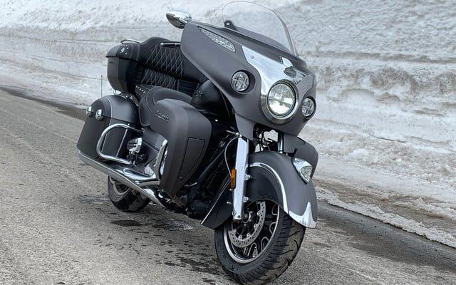Indian Motorcycles está desarrollando faros delanteros de radar adaptables sensibles a la inclinación para hacer que la conducción nocturna sea más segura