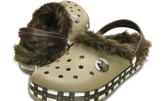 इन Chewbacca Crocs, तु nerds और निराशा को देखो