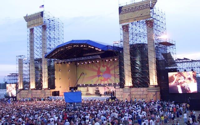 JAY-Z, Miley Cyrus, Dead And Company và Chance The Rapper với tiêu đề Woodstock 50