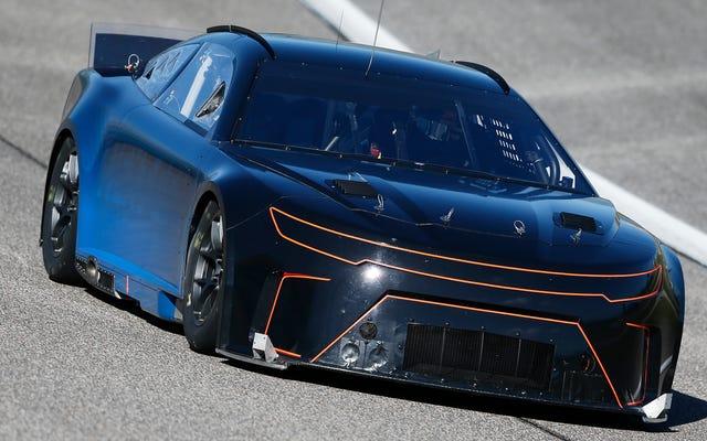 NASCARは4速マニュアルの代わりにシーケンシャルシフターを公式にテストしています