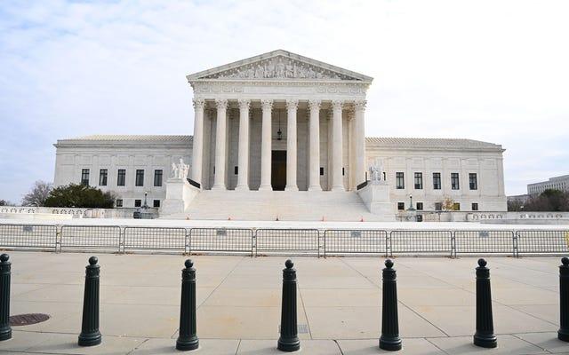 Les juges de la Cour suprême se penchent sur la NCAA lors d'une audience sur la rémunération des athlètes
