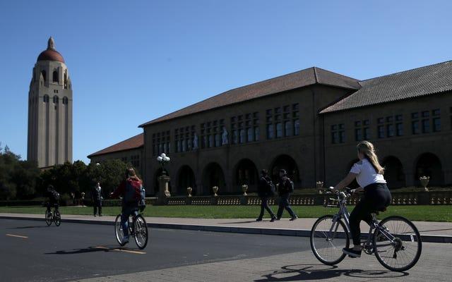 Dua Mahasiswa Stanford Menuntut Semua Sekolah yang Terlibat Skandal Suap Perguruan Tinggi