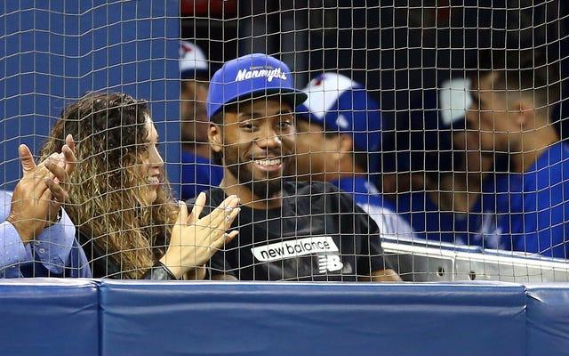 KawhiWatch: Kawhi Leonard cieszy się grą w baseball, udowadniając, że zostanie w Toronto