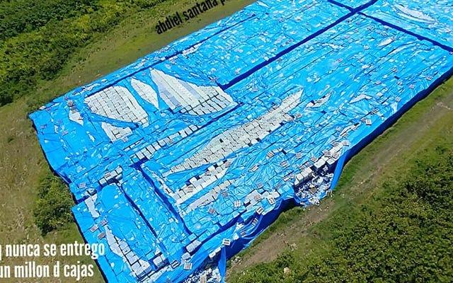 มีขวดน้ำที่ไม่ใช้แล้วหลายล้านขวดถูกทิ้งบนเส้นทางในเปอร์โตริโกและไม่มีใครรับผิดชอบ