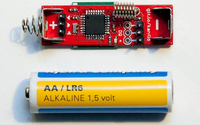 Construye un Arduino del tamaño de una batería AA