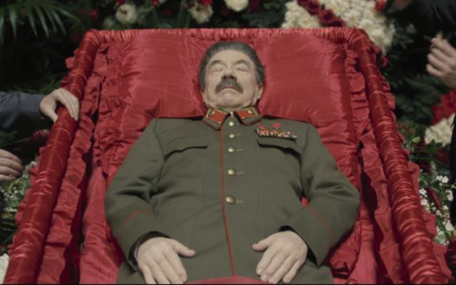 ロシア文化省がスターリンの死を上映した劇場を訴える