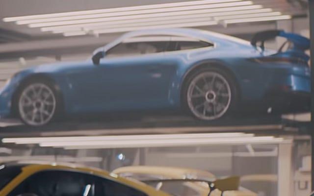 Seguro que parece que Porsche filtró la próxima generación del 911 GT3 en un comercial