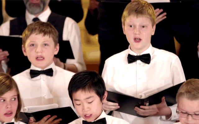 यह तब होता है जब डेनिश बच्चों का एक गाना बजाने वाला ग्रह पर सबसे गर्म मिर्च खाता है और क्रिसमस कैरोल गाना शुरू करता है