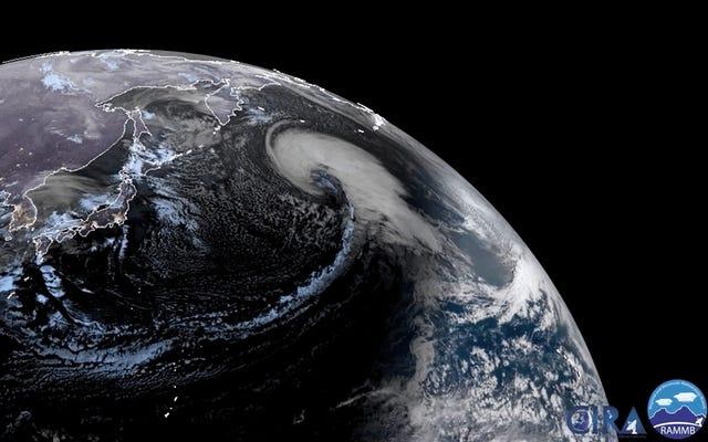 Guarda la gigantesca tempesta che turbina sull'Oceano Pacifico