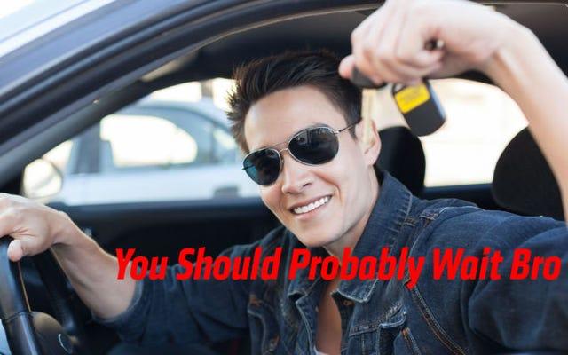 あなたが若いときに車を買うことを台無しにしない方法