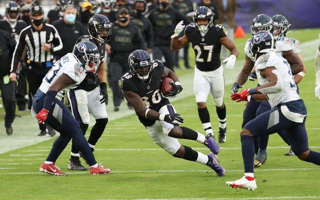 Poco antes de los Ravens-Cowboys, Dez Bryant da positivo, pero el juego continúa