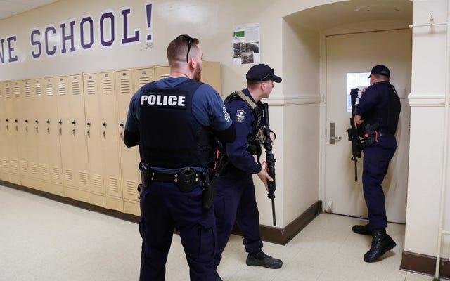 Apakah Sekolah Anak Anda Merencanakan Latihan Penembak Aktif yang Mengerikan Ini?