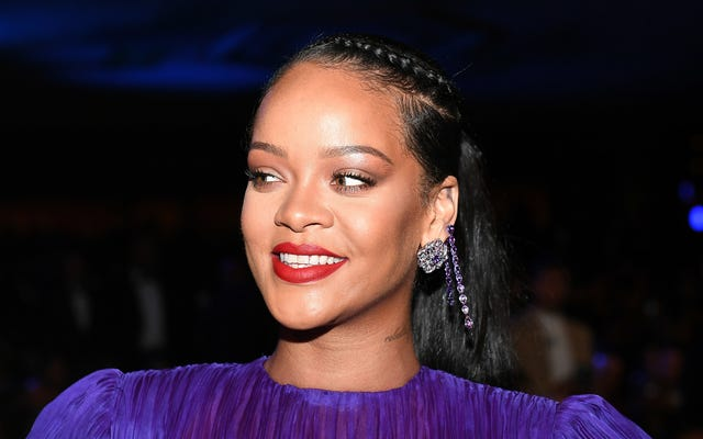 Spotted: Rihanna's Fashion Mullet!
