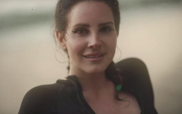 Lana Del Rey se confiesa sobre el serpenteante Norman Fucking Rockwell