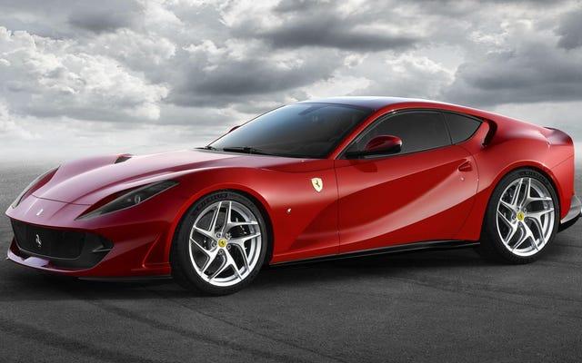 La nouvelle Ferrari 812 Superfast a 790 chevaux mais ce qui se passe