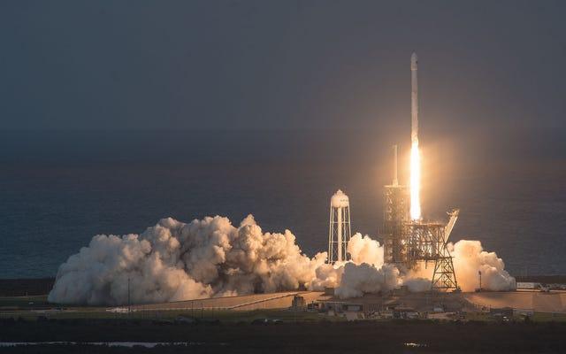 Regardez le lancement historique de la fusée réutilisable SpaceX ici