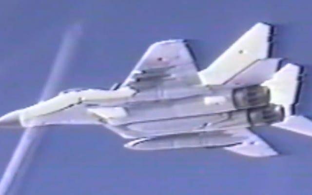 Ricorda quel periodo nei primi anni '90 quando gli F-16 scortarono i MiG-29 negli Stati Uniti