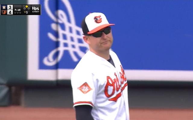 マーク・トランボはあなたが今日見るであろう最も悲しいくそー野球プレーをしました