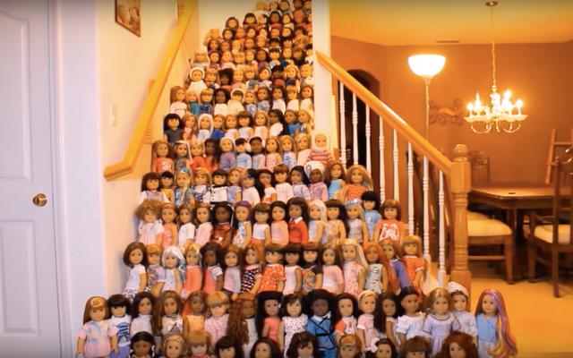 Guarda nel bellissimo abisso che è questa massiccia collezione di bambole americane
