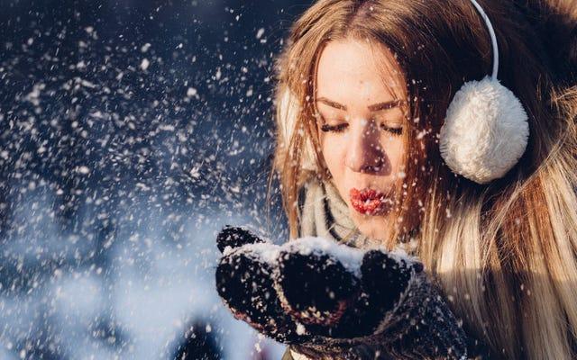 なぜ雪を食べるのはまったく良い考えではないのですか(それで調理することははるかに少ないです)