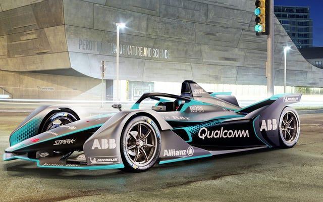フォーミュラEの新しいレースカーは実際にはかなり素晴らしく見えます—そしてそれはハローを持っています