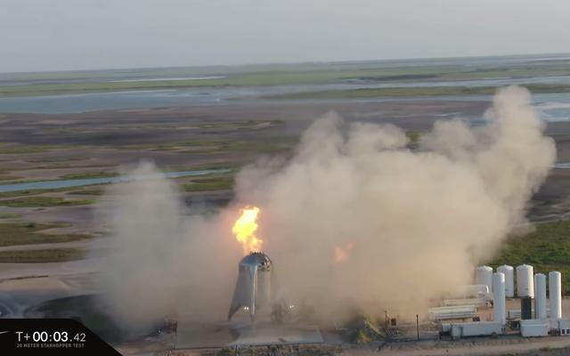 最初のスターホッパー発射の試みは、炎に包まれたSpaceXロケットを終了します