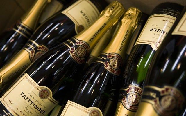 EUのルールシャーベットはシャンパンの名前を使用できます、フランス人の悔しさの多くに