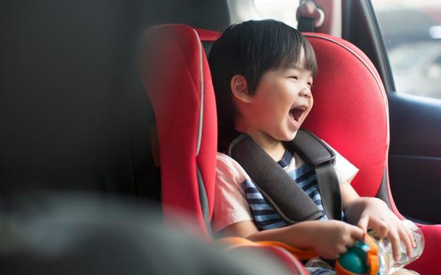 Come guidare con un seggiolino per auto in un Uber o Lyft