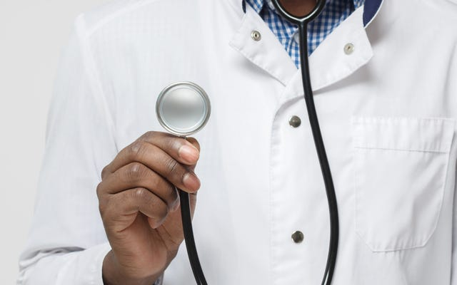 この煙を手に入れる:黒人活動家がメハリー医科大学の決定を非難し、Juulから750万ドルの助成金を受け取る