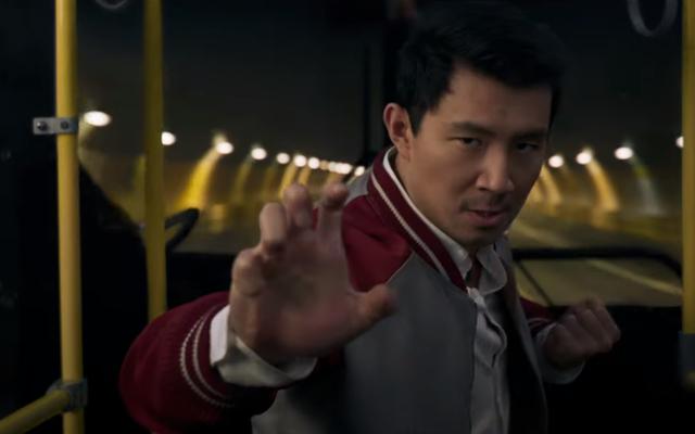 La première bande-annonce de Shang-Chi et la légende des dix anneaux promet des arts martiaux à gogo