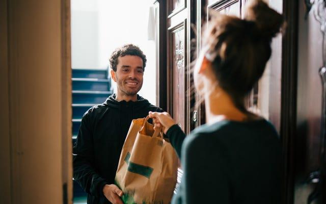 Los servicios de entrega tienen restaurantes en la zona sensible.
